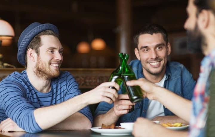 Das unter Studenten besonders beliebte Irish Pub lockt an vielen Wochenenden mit Livemusik